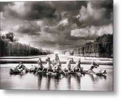 Fountain With Sea Gods At The Palace Of Versailles In Paris Metal Print by Simon Marsden