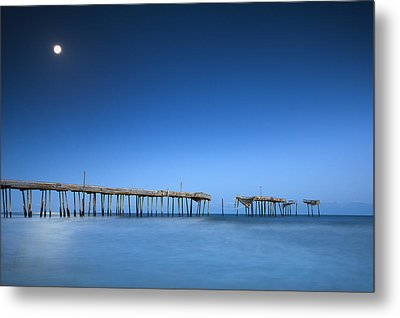 Frisco Pier Cape Hatteras Outer Banks Nc - Crossing Over Metal Print by Dave Allen