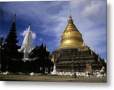 Gilded Stupa Of The Shwezigon Pagoda Metal Print by Sami Sarkis