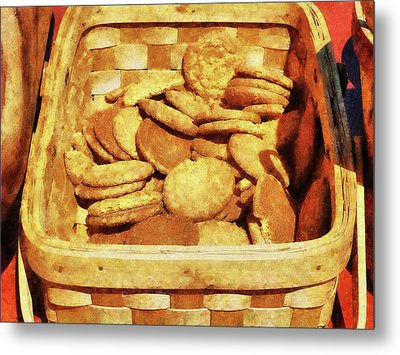 Ginger Snap Cookies In Basket Metal Print by Susan Savad