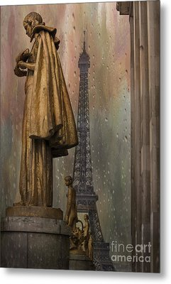 Golden Statues On Trocadero With View Towards Eiffel Tower Paris Metal Print by Juli Scalzi