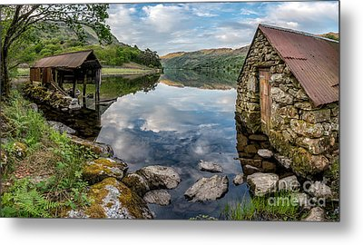Gwynant Lake Boat House Metal Print by Adrian Evans