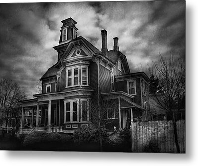 Haunted - Flemington Nj - Spooky Town Metal Print by Mike Savad