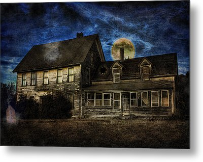 Haunted Nights Metal Print by Gary Smith