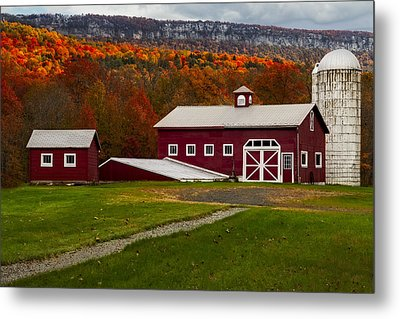 Hudson Valley Ny Countryside Metal Print by Susan Candelario