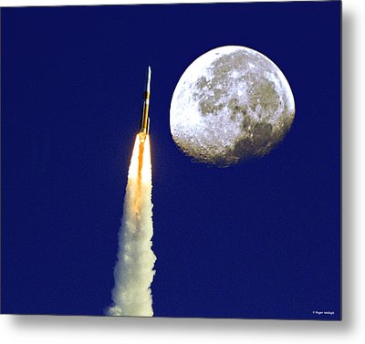 I Need My Space Metal Print by Roger Wedegis