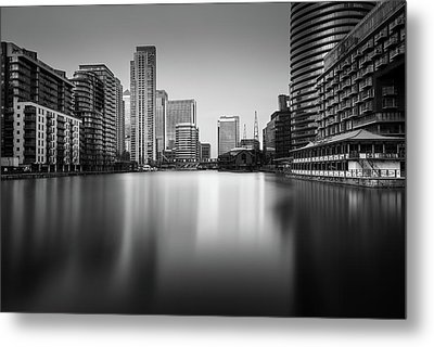 Inside Canary Wharf Metal Print by Ivo Kerssemakers