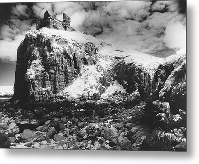 Isle Of Skye Metal Print by Simon Marsden