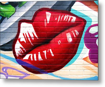 Kiss Me Now ... Metal Print by Juergen Weiss