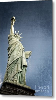 Liberty Enlightening The World Metal Print by Charles Dobbs