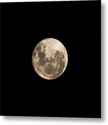Lunar Perigee Metal Print by Andrew Paranavitana