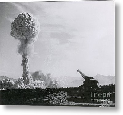 M65 Atomic Cannon Metal Print by Science Source
