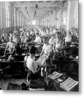Making Money At The Bureau Of Printing And Engraving - Washington Dc - C 1916 Metal Print by International  Images