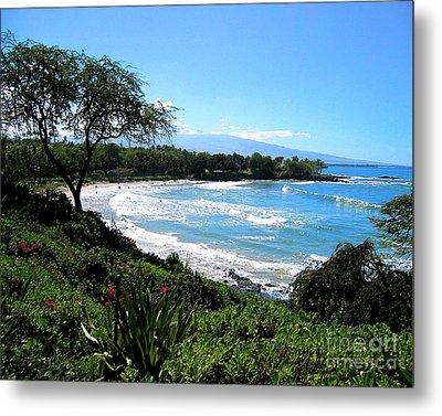 Mauna Kea Beach Metal Print by Bette Phelan