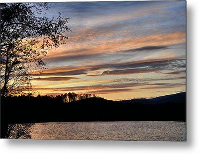 Mill Creek Lake Sun Set Metal Print by Todd Hostetter