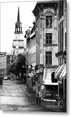 Montreal Street In Black And White Metal Print by John Rizzuto