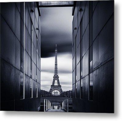 Mrs Eiffel Metal Print by Charly Lataste