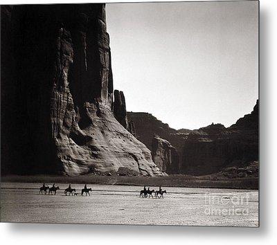 Navajos: Canyon De Chelly, 1904 Metal Print by Granger