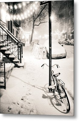 New York City - Snow Metal Print by Vivienne Gucwa