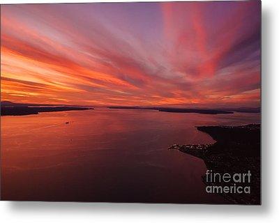 Northwest Searing Sunset Palette Metal Print by Mike Reid