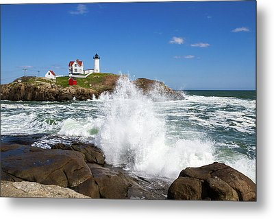 Nubble Lighthouse Metal Print by Robert Clifford