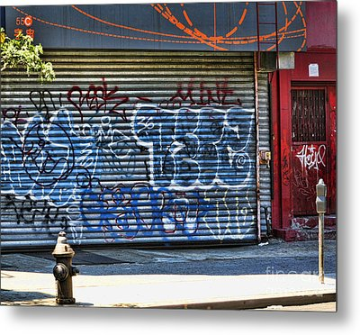 Nyc Graffiti Metal Print by Chuck Kuhn
