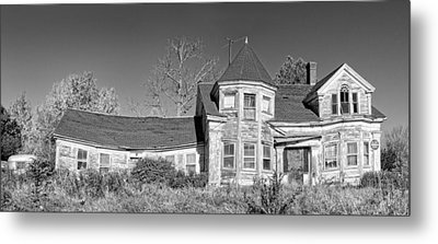 Old Abandoned House Black And White Photo Metal Print by Keith Webber Jr