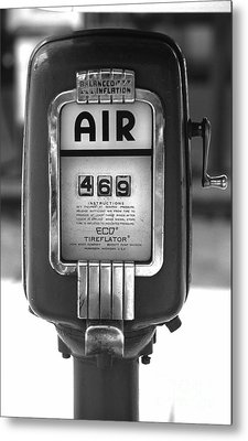 Old Air Pump Metal Print by Arni Katz
