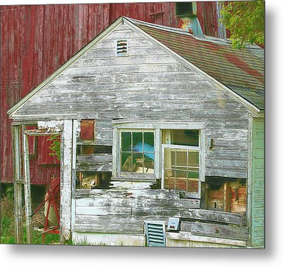 Old Farm Shed Metal Print by Elaine Frink