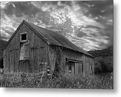 Old New England Barn 2013 Bw Metal Print by Bill Wakeley