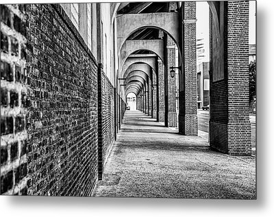 Philadelphia - Franklin Field Archway In Black And White Metal Print by Bill Cannon