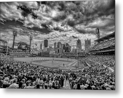 Pittsburgh Pirates Pnc Park Black And White Metal Print by David Haskett