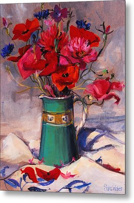 Poppies And Cornflowers In Green Jug Metal Print by Sue Wales