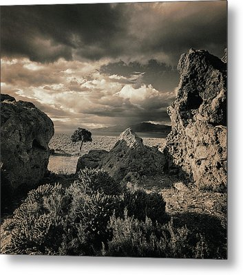 Pyramid Lake, Nevada, Usa Metal Print by Mel Curtis