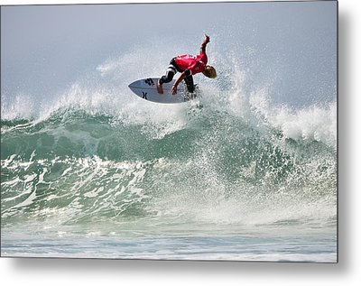 Metal Print featuring the photograph Quiksilver Pro France Iv by Thierry Bouriat