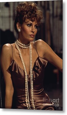 Raquel Welch Metal Print by Terry O'Neill