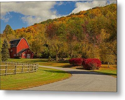 Red Barn Around Fall Foliage Metal Print by Susan Candelario