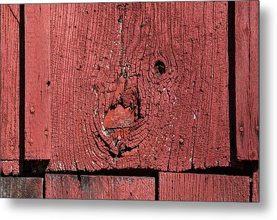 Red Barn Wood Metal Print by David Letts