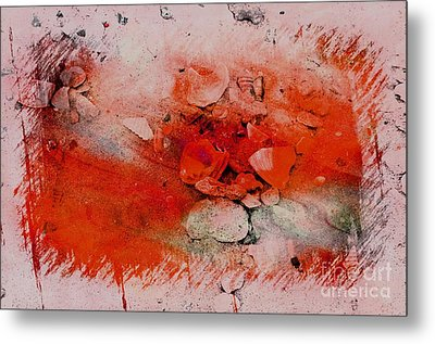 Red Seashells Metal Print by Kathleen Struckle