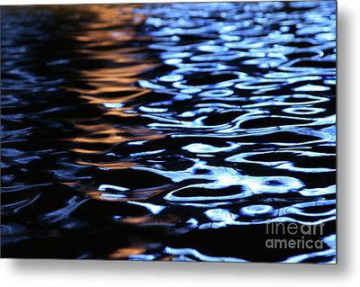 Reflection In Fountain Metal Print by Karol Livote