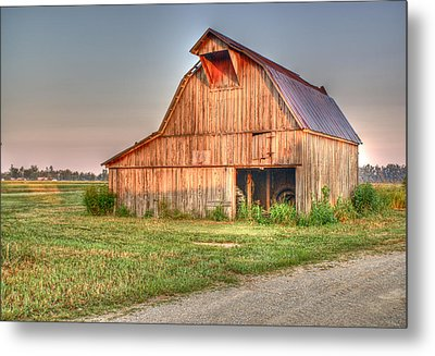 Ruddish Barn At Dawn Metal Print by Douglas Barnett