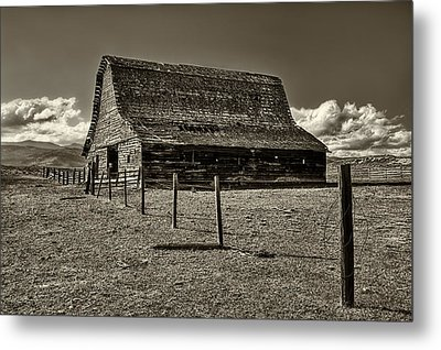 Rural Montana Barn In Sepia Metal Print by Mark Kiver