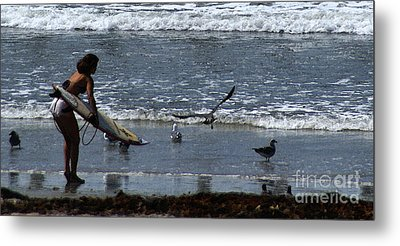 Sand And Surf Metal Print by Linda Knorr Shafer