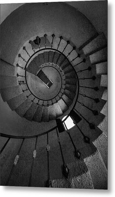 Scottys Castle Stairwell B W Metal Print by Steve Gadomski