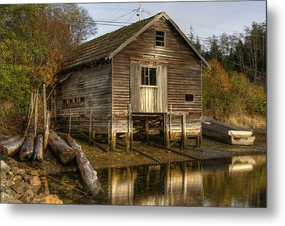 Sointula Boat Shed Metal Print by Darryl Luscombe