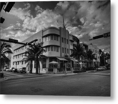 South Beach - Collins Avenue 001 Bw Metal Print by Lance Vaughn
