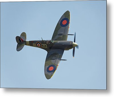 Spitfire Mk9 Metal Print by Ian Merton