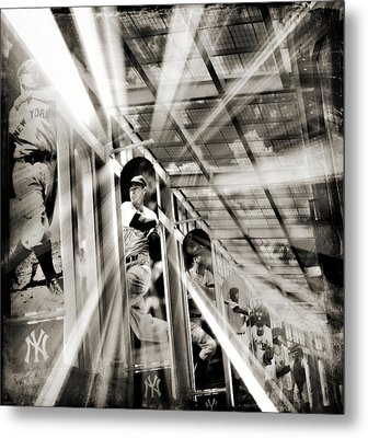 Spotlight On The Yankee Clipper IIi Metal Print by Aurelio Zucco