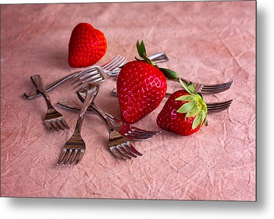 Strawberry Delight Metal Print by Tom Mc Nemar