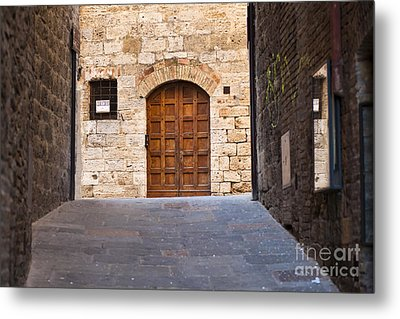 Streets Of San Gimignano Metal Print by Andre Goncalves